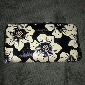 Kate spade wallet. Gently used.